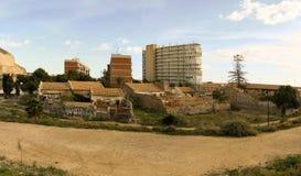 Ciudad nueva y vieja de Alicante fotos de archivo
