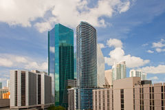 Ciudad paisaje urbano céntrico de los edificios de Miami, la Florida Imagenes de archivo