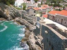 Ciudad por el mar Fotos de archivo libres de regalías