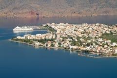 Ciudad portuaria de Itea Imagen de archivo libre de regalías