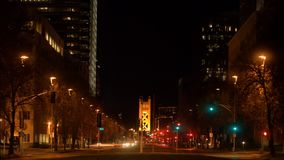 Ciudad retrasada de time lapse de la noche del tiroteo del tráfico almacen de video