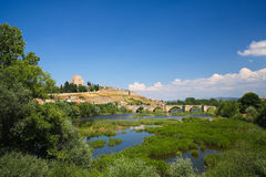 Ciudad Rodrigo - château de Henry II de Castille et de rivière d'Agueda Photos stock