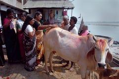 Ciudad santa Benaras en la India Fotos de archivo libres de regalías