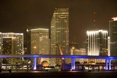 Miami céntrica en la noche Foto de archivo libre de regalías