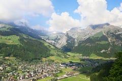 Ciudad suiza en el mountzin Imagen de archivo