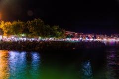 Ciudad turca de las vacaciones de verano en la noche Fotografía de archivo