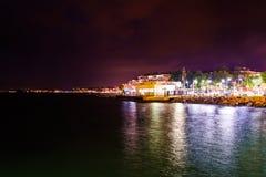 Ciudad turca de las vacaciones de verano en la noche Foto de archivo libre de regalías