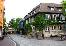 Ciudad vieja, Alemania, calle, bici Foto de archivo libre de regalías