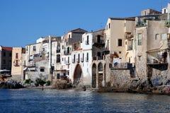 Ciudad vieja Cefalu en Sicilia Fotografía de archivo