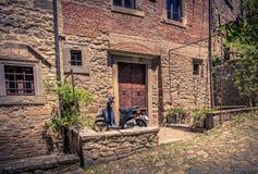 Ciudad vieja de Cortona en Toscana Foto de archivo libre de regalías