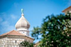 Ciudad vieja de Krk, mediterránea, Croacia, Europa Foto de archivo libre de regalías