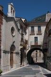 Ciudad vieja de Pacentro en la región de las montañas de Abruzos Foto de archivo libre de regalías