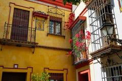 Ciudad vieja de Sevilla cerca de st España de Vida del Agua del calle Imagen de archivo libre de regalías