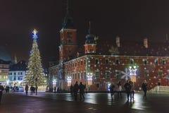 Ciudad vieja de Varsovia con las decoraciones de la Navidad Imagenes de archivo