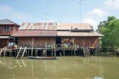 Ciudad vieja del agua en Amphawa Imágenes de archivo libres de regalías
