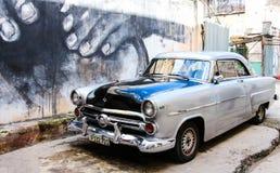 Ciudad vieja del coche de Havana American del la de Cuba foto de archivo