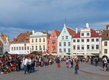 Ciudad vieja el 16 de junio de 2012 en Tallinn, Estonia. Foto de archivo libre de regalías