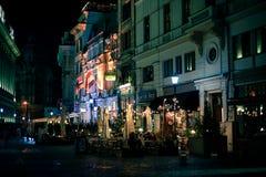 Ciudad vieja en Bucarest por noche Imagen de archivo
