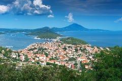 Ciudad vieja en la isla adriática. Malí Losinj, Croatia Fotos de archivo libres de regalías