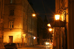 Ciudad vieja en la noche foto de archivo libre de regalías
