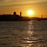 Ciudad vieja en la puesta del sol Foto de archivo