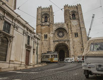 Ciudad vieja en Lisboa Alfama, Portugal Fotos de archivo libres de regalías