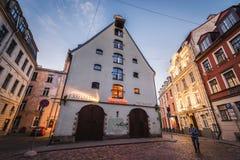 Ciudad vieja en Riga fotos de archivo