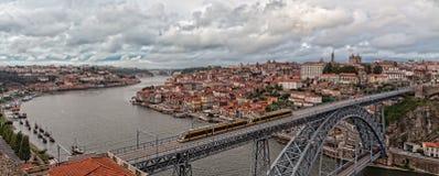 Ciudad vieja Oporto del panorama Imágenes de archivo libres de regalías