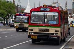 Ciudad vieja Tailandia de Bangkok del autobús urbano foto de archivo libre de regalías