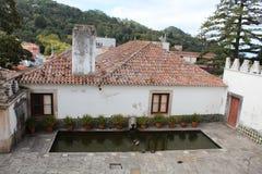 Ciudad vieja y edificio municipal de Sintra, Portugal, Europa Imagen de archivo