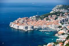 Ciudad vieja y el mar - Croacia de Dubrovnik Imágenes de archivo libres de regalías
