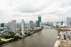 Ciudad y Chao Praya River de Bangkok imágenes de archivo libres de regalías