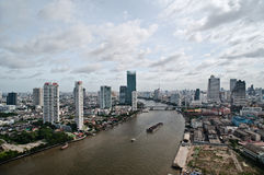 Ciudad y Chao Praya River de Bangkok imagen de archivo libre de regalías