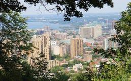 Ciudad y Longeuil de Montreal de Mont-Real Imagen de archivo libre de regalías