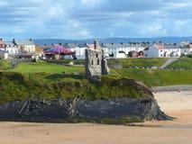Ciudad y playa de Ballybunion en Irlanda fotografía de archivo