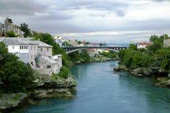 Ciudad y puente de Mostar Fotos de archivo libres de regalías