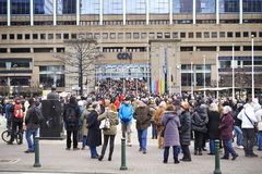 Ciudadano que camina en Bruselas el domingo 11 de enero de 2015 Fotografía de archivo libre de regalías