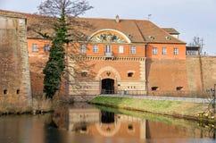 Ciudadela de Spandau con su casa de la puerta y un puente de drenaje en Berlín, Imágenes de archivo libres de regalías