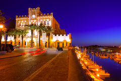 Ciutadella Menorca市城镇厅和口岸日落 免版税图库摄影