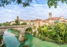 Cividale del Friuli avec la rivière et le pont de diables Photos libres de droits
