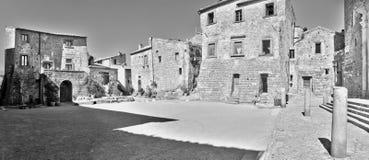 Civita di Bagnoregio, Italia - 17 marzo 2014: quadrato principale del ` s della città Fotografie Stock