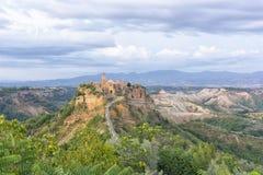 Civita di Bagnoregio : la ville fantôme sur la colline photographie stock libre de droits