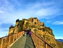 Civita di Bagnoregio, stad i landskapet av Viterbo, Italien Historia, tid, konst och landskap fotografering för bildbyråer