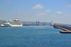 civitavecchiaitaly port Arkivbild