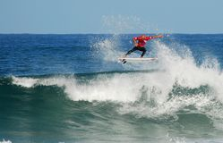 Clássico da ressaca da onda do rasgo de Kelly Slater Foto de Stock Royalty Free