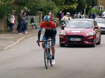 Clássico 2019 de Rutland-Melton Cicle: O pro ciclista Johnny McEvoy de Madison Genesis persegue para tornar a reunir o peloton imagens de stock