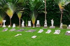 Clássico velho no cemitério Fotografia de Stock