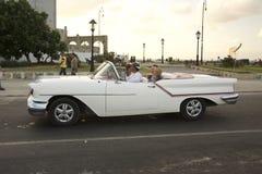 CLÁSSICOS DOS CARROS DE CUBA Imagem de Stock
