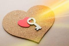 Clé au coeur comme symbole de l'amour Photo libre de droits