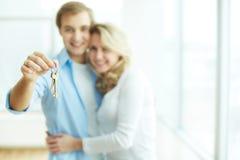 Clé au nouvel appartement Photographie stock libre de droits